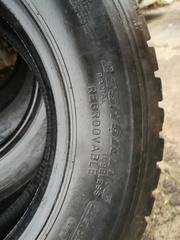 Шины ведущие для грузового автомобиля 225/75R17, 5 DUNLOP SP-431 б/у. 7мм. протектора. 4 шт. по 60 рублей. Имеется выбор и других размеров. Доставка.